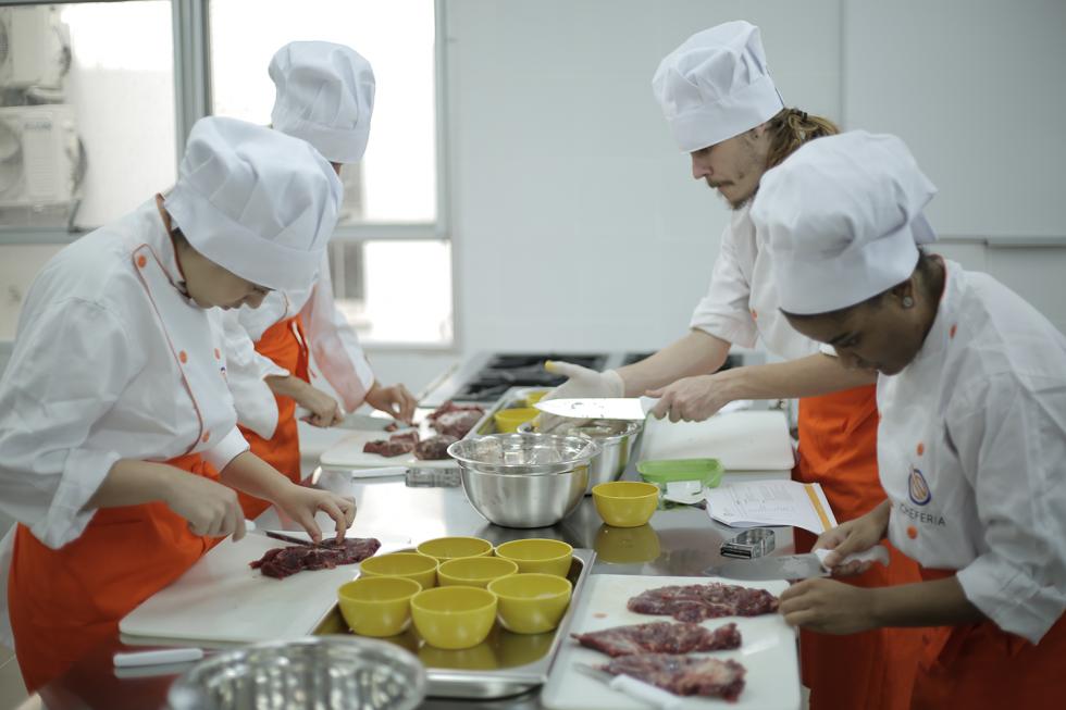 Curso de Cozinheiro Profissional - Cheferia